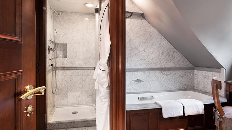 Patrick Hellman Schlosshotel bathroom