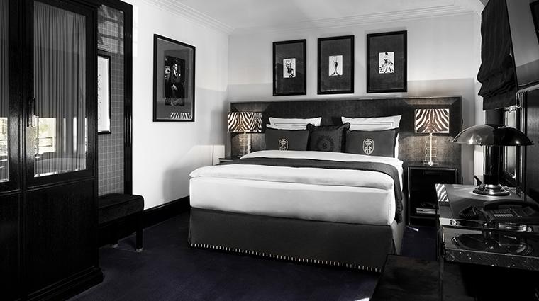 Patrick Hellman Schlosshotel black room