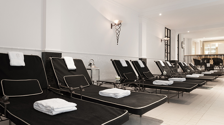 Patrick Hellman Schlosshotel pool chairs