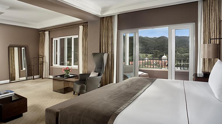 penha longa resort presidential suite bedroom