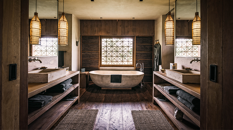 phum baitang villa bathroom