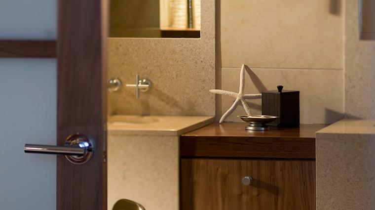 portland harbor hotel bathroom