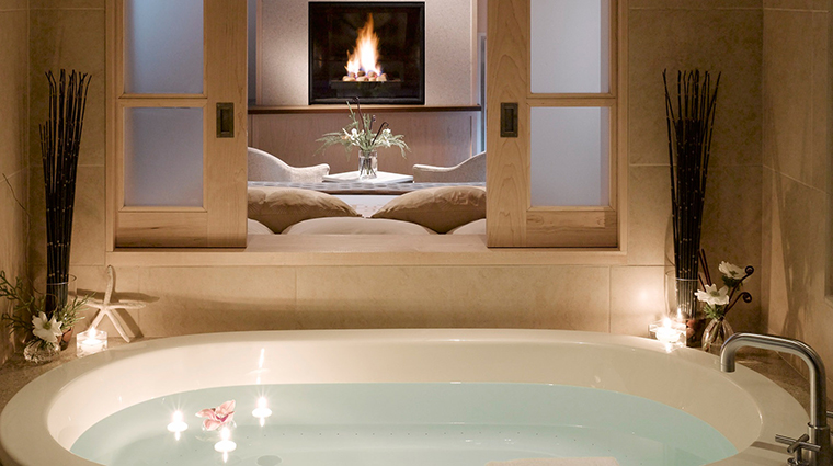 portland harbor hotel tub