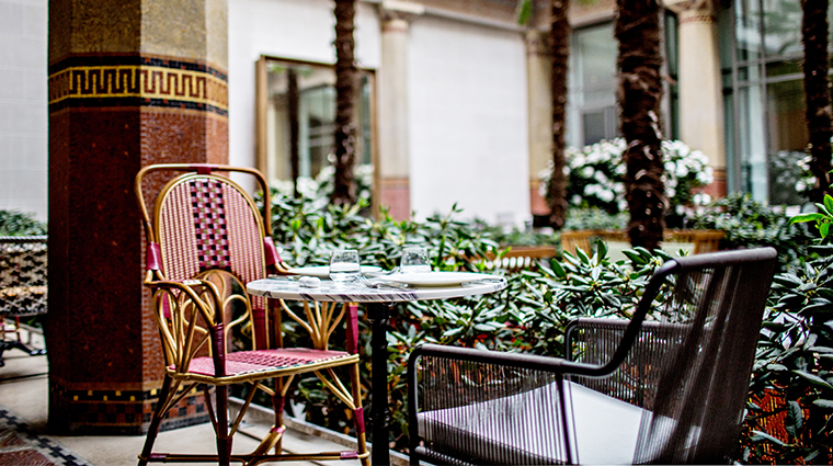 prince de galles a luxury collection hotel patio2