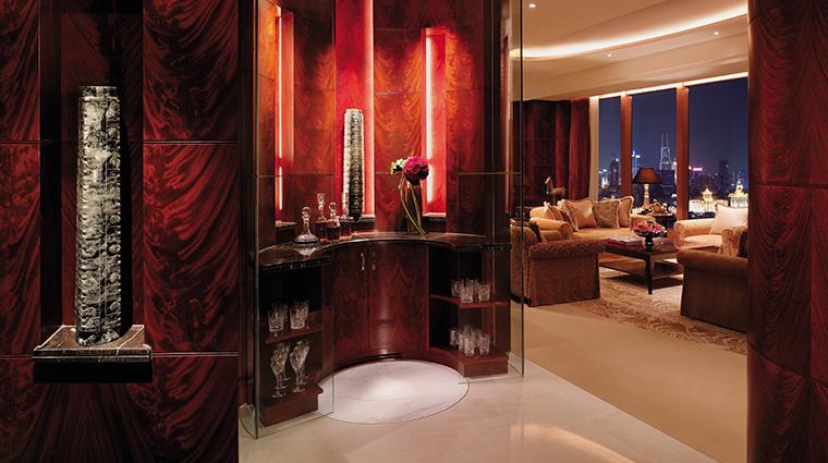 pudong shangri la east shanghai suite bar area