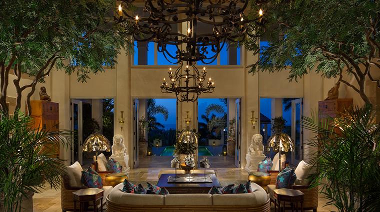quintessence hotel grand lobby