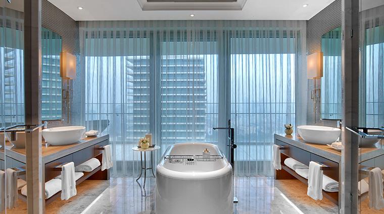 raffles istanbul Bosphorous suite bathroom