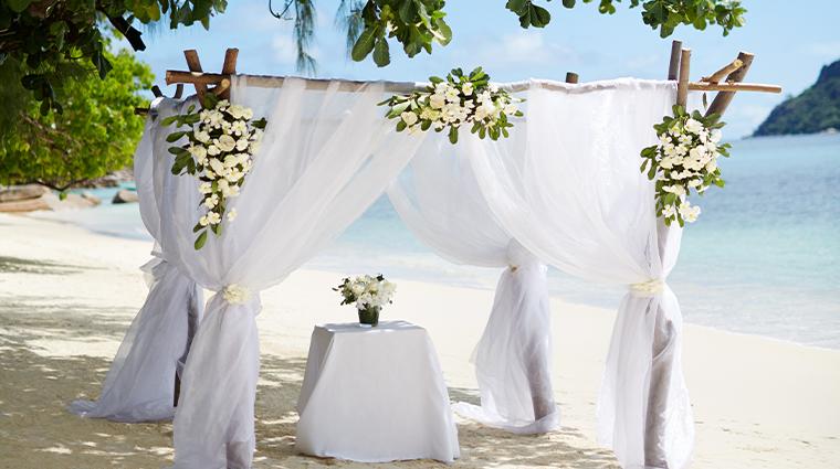 raffles seychelles wedding setup
