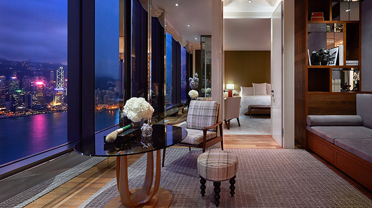 rosewood hong kong manor suite night view