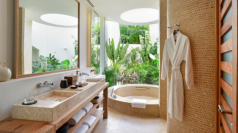rosewood mayakoba Lagoon Studio Suite Bathroom