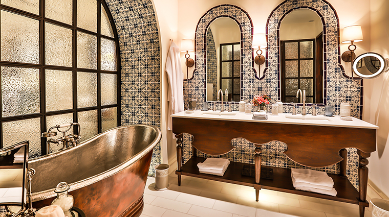 rosewood puebla bathroom