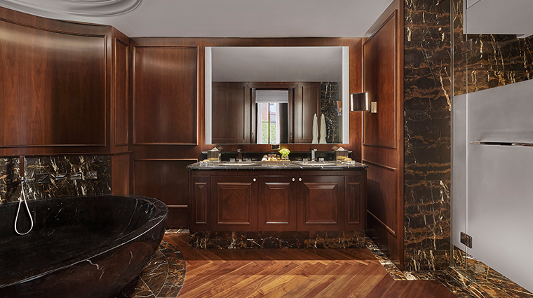 rosewood washington dc presidential suite bathroom