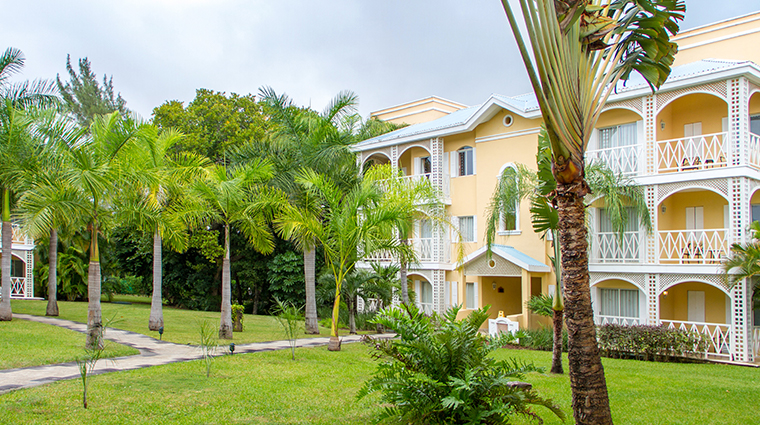 royal hideaway playacar villa exterior