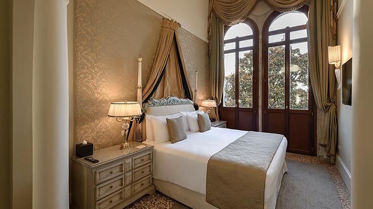 san celmente palace kempinski tiepolo suite7