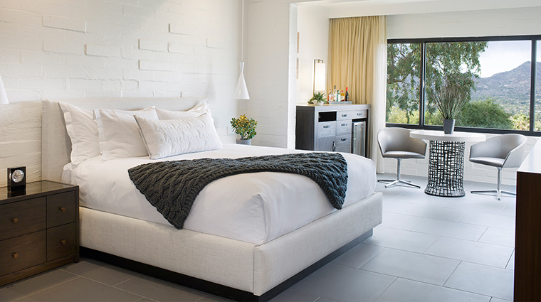 The Sanctuary on Camelback Mountain Resort and Spa bedroom