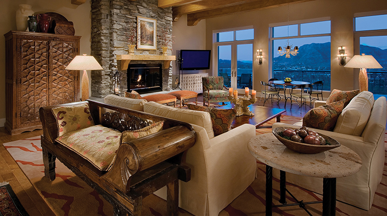 The Sanctuary on Camelback Mountain Resort and Spa casa nine living room