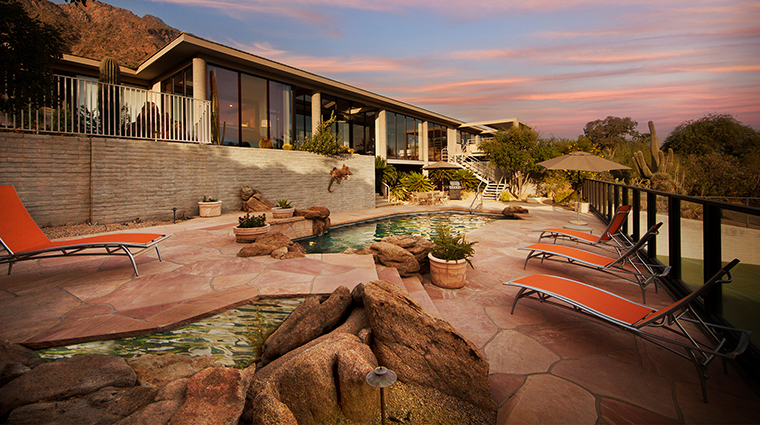 The Sanctuary on Camelback Mountain Resort and Spa casa seventeen pool