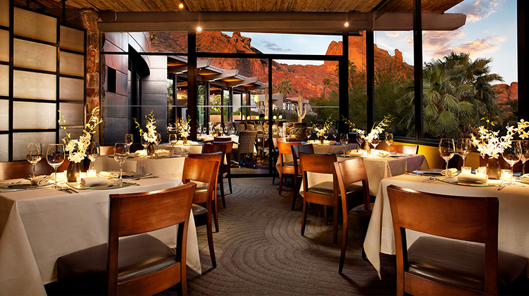 The Sanctuary on Camelback Mountain Resort and Spa elements dining room