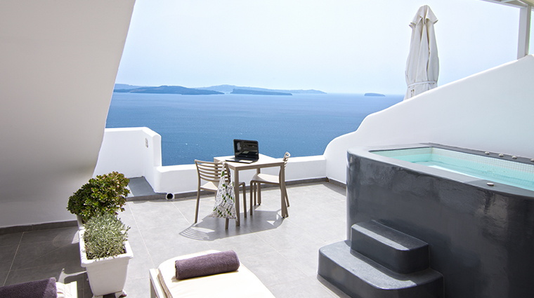 santorini secret suites spa absolut suite jacuzzi