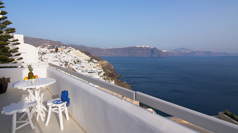 santorini secret suites spa junior villa outdoor