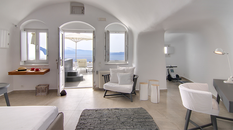 santorini secret suites spa premium suite