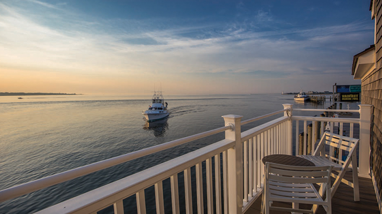 saybrook point inn marina spalighthouse suite view