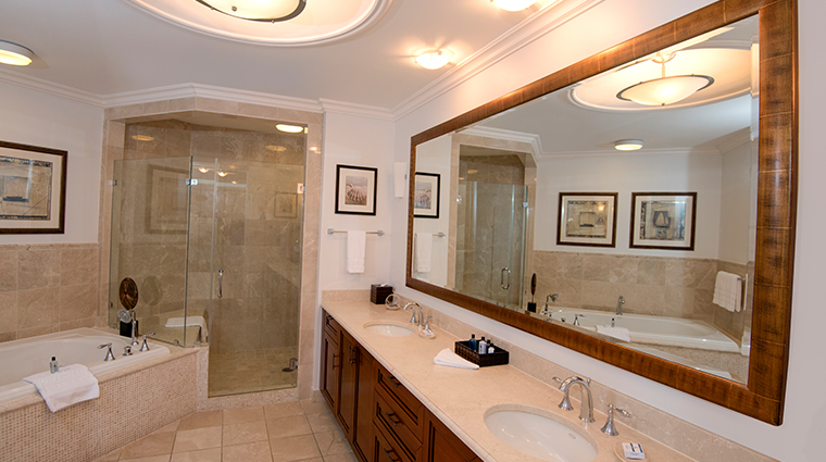 seven stars resort spa main bathroom