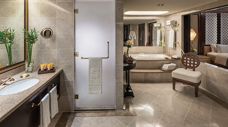 shangri la al husn resort spa specialty suite bathroom