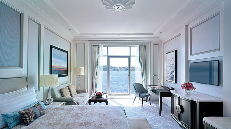 shangri la bosphorus istanbul bedroom view