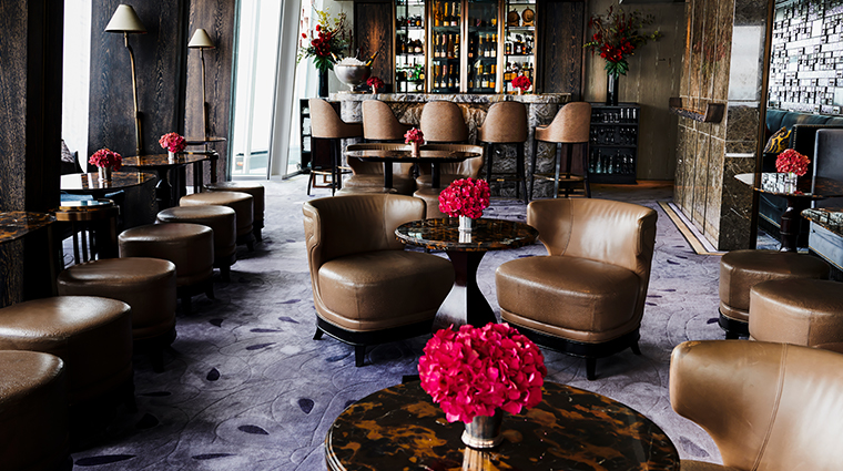 shangri la hotel at the shard london Gong bar2