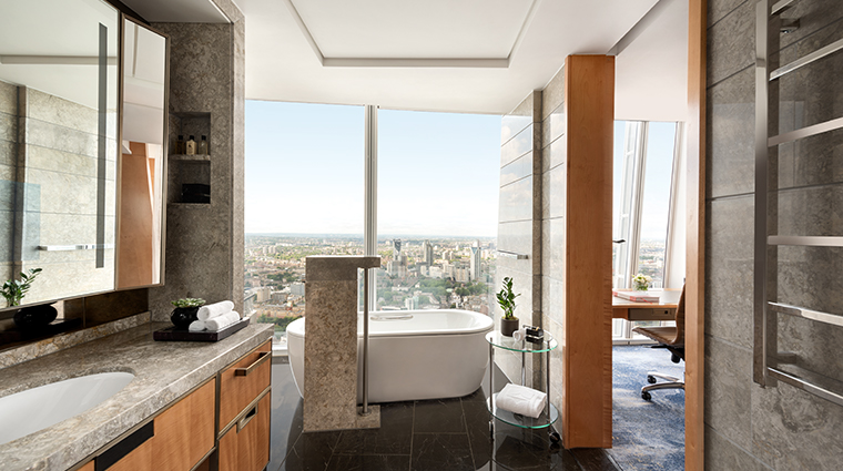 shangri la hotel at the shard london deluxe city view bathroom