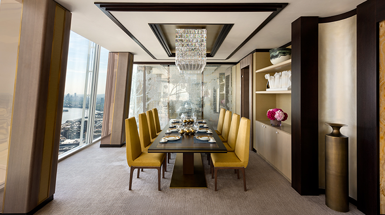 shangri la hotel at the shard london dining table