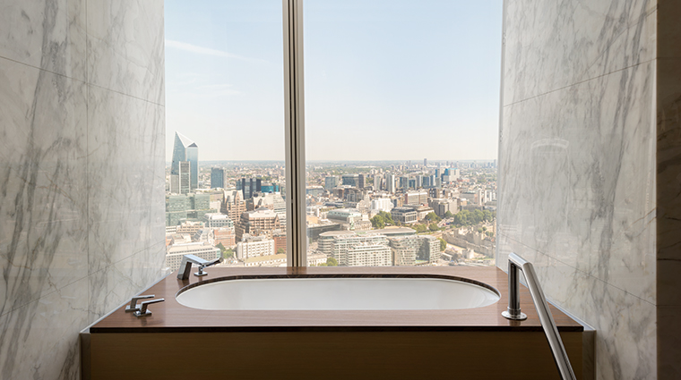 shangri la hotel at the shard london suite bathroom