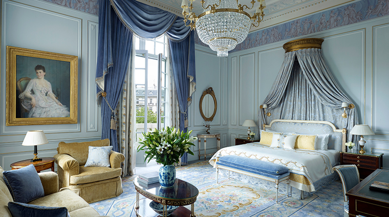 shangri la hotel paris LAppartement Prince Bonaparte bedroom