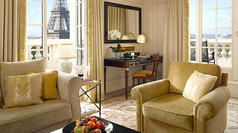 shangri la hotel paris La Suite Gustave Eiffel Living Area