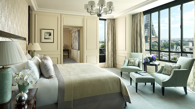 shangri la hotel paris suite chaillot bedroom