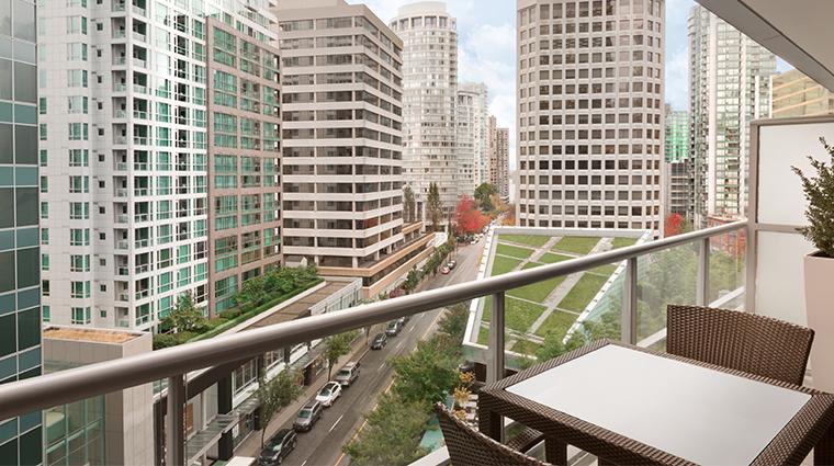 shangri la hotel vancouver balcony