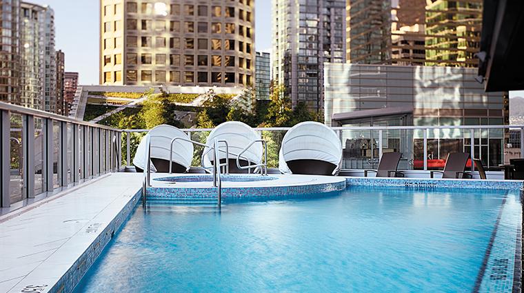 shangri la hotel vancouver outdoor pool