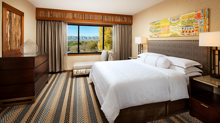 sheraton grand at wild horse pass deluxe suite bedroom