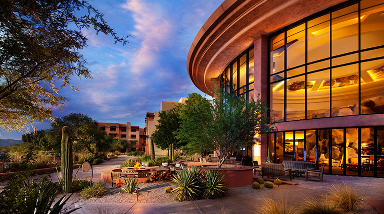 sheraton grand at wild horse pass lobby exterior
