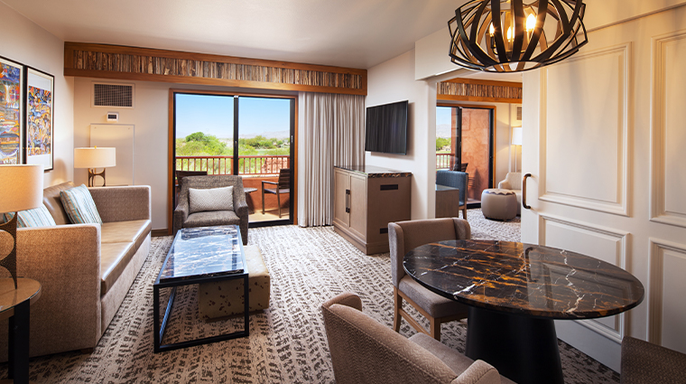 sheraton grand at wild horse pass new exec suite parlor