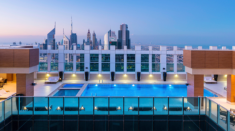 sheraton grand hotel dubai rooftop pool