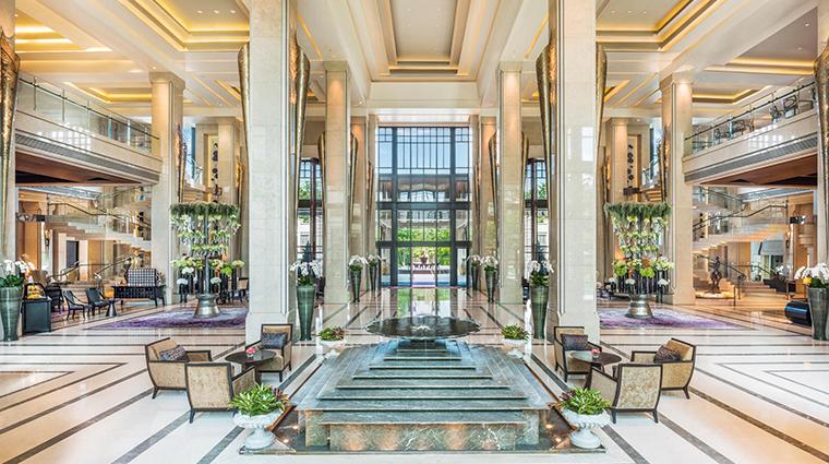 siam kempinski hotel bangkok lobby day