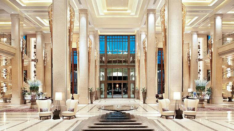 siam kempinski hotel bangkok lobby