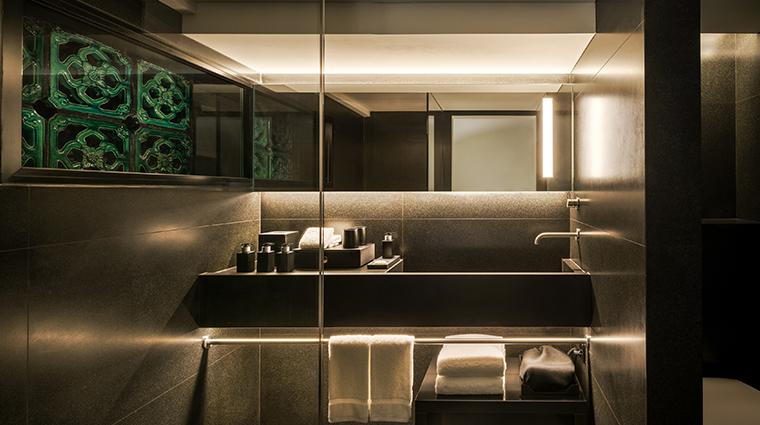 six senses duxton bathroom