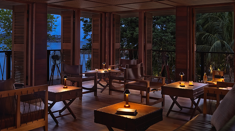 six senses zil pasyon rum bar tables