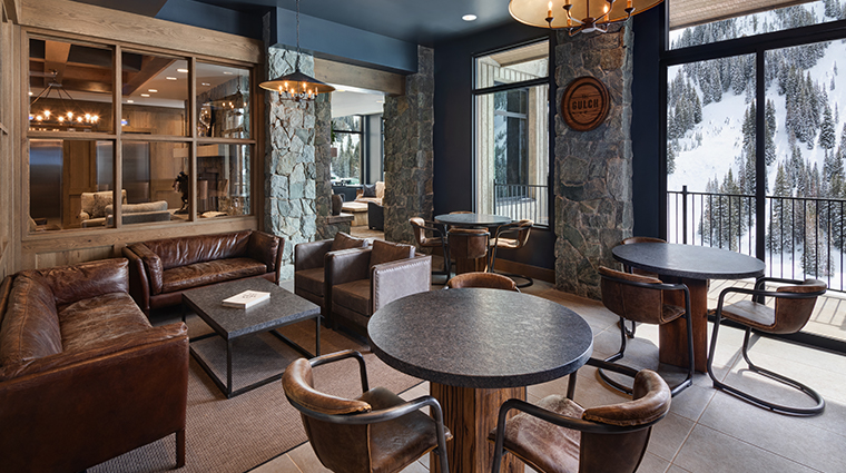 snowpine lodge bar seating area