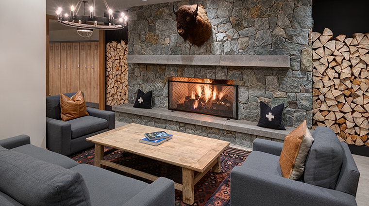 snowpine lodge ski lounge