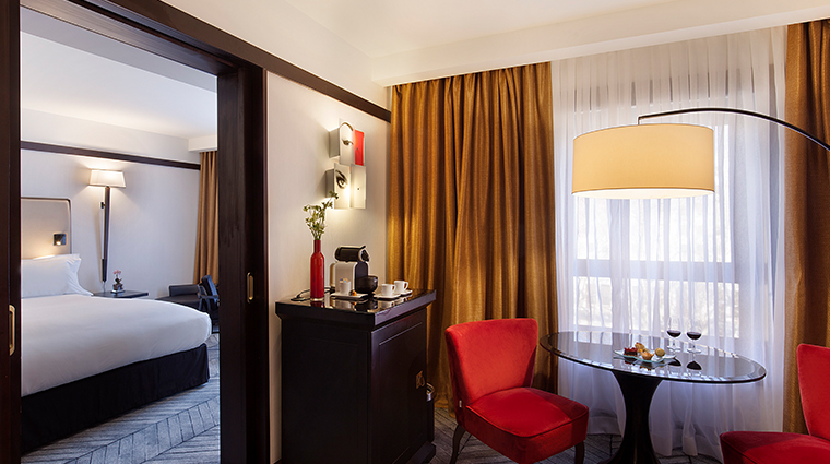 sofitel lisbon liberdade junior suite area