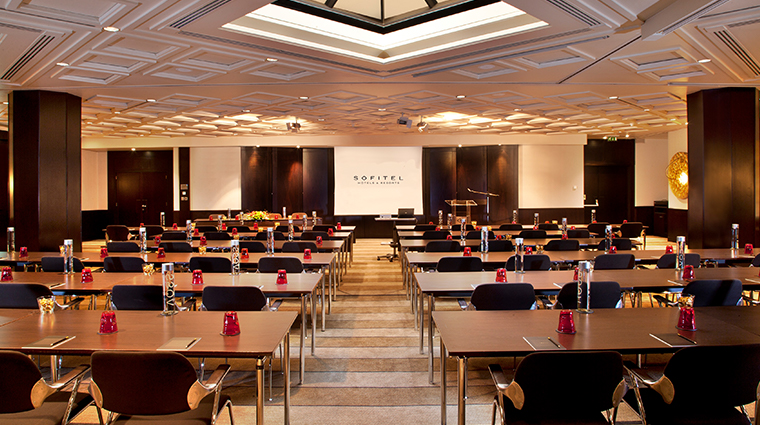sofitel lisbon liberdade meeting room